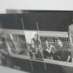 Zoom Cover Belakang Undangan Dewi Deni