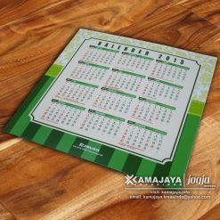 undangan pernikahan hijau pupus kalender