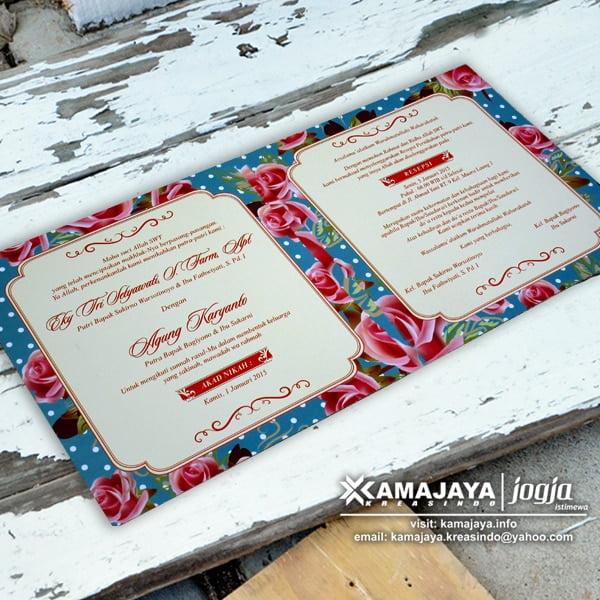 undangan pernikahan vintage biru bunga