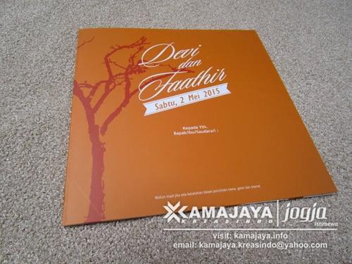 undangan pernikahan warna orange ranting pohon