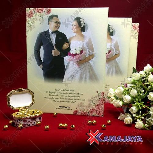 Contoh Undangan Pernikahan Unik Dan Elegan